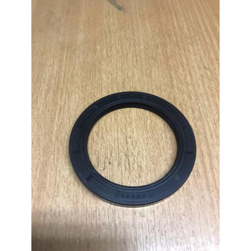 TC55X73X6 Nitrile Rubber Oil Seal With Wiper Lip