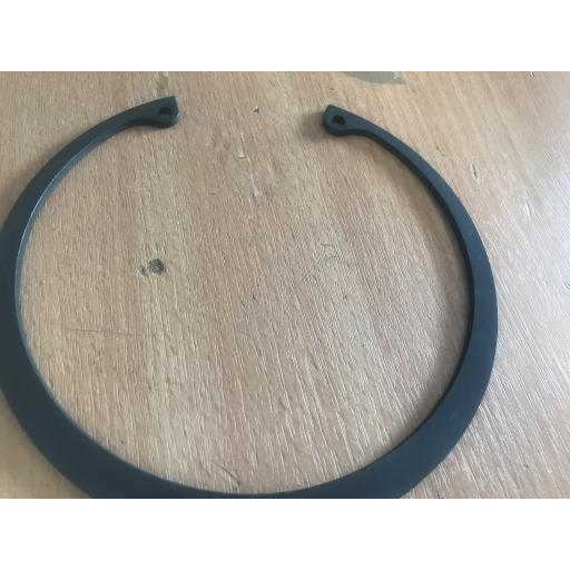 "HOWARD ROTAVATOR 208001270 5"" INTERNAL CIRCLIP"